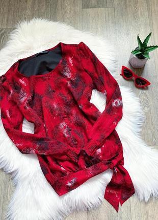 Красная блуза со змеиным принтом ❤️
