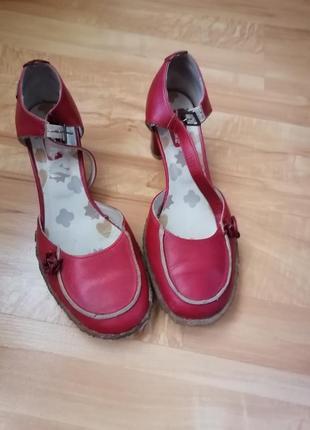 Туфли, босоножки натуральная кожа р. 40