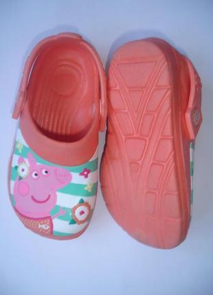 Фирменные босоножки кроксы девочке 26-27 размер идеал
