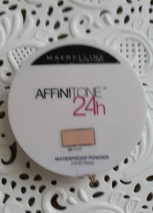 Влагостойкая пудра affinitone 24 waterproof maybelline