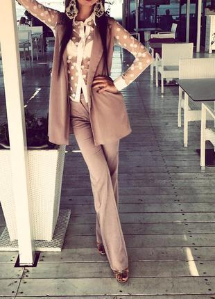 Брючный костюм брюки и жилетка цвет капуччино мокко
