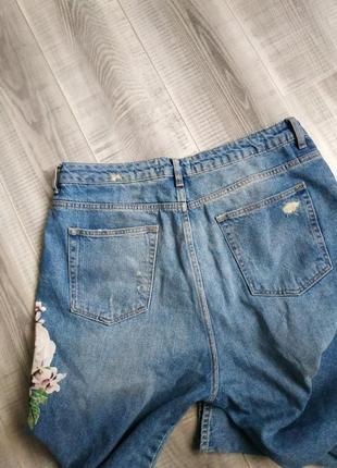 Летние джинсы мом с цветочным принтом2 фото