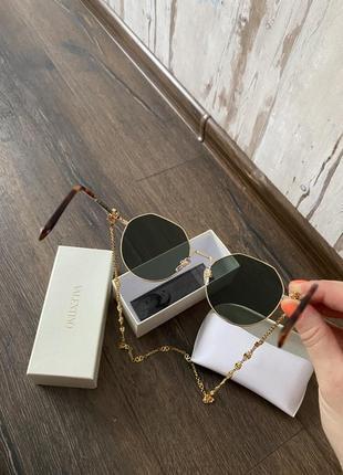 Новые солнцезащитные очки3 фото