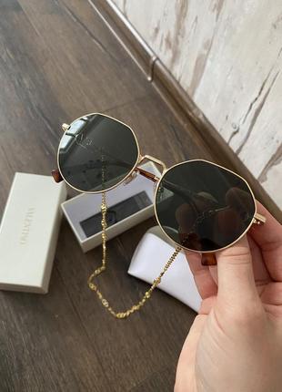 Новые солнцезащитные очки5 фото