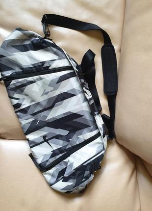 Брльшая спортивная дорожная сумка найк оригинал