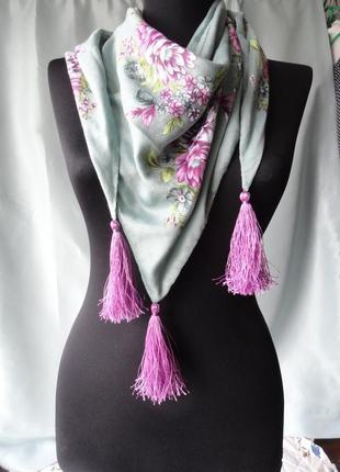 Красивый платок berivan с кистями