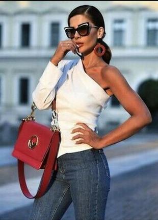 Модная блуза на одно плечо от zara,льон.