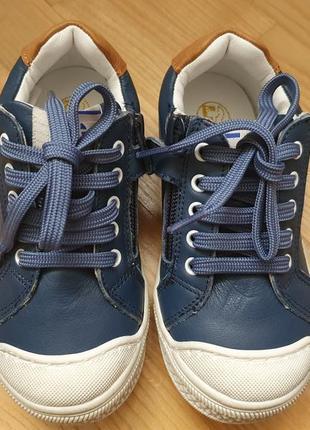 Детские кеды или кроссовки