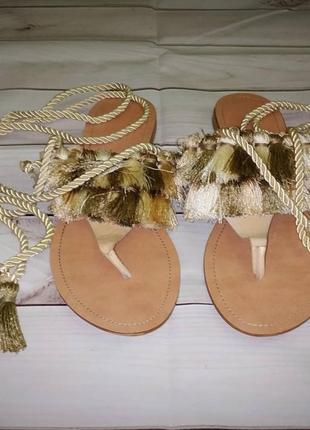 Шлепки женские со шнуровкой