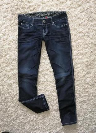 Брендовые легкие женские джинсы скинни guess 28 в прекрасном состоянии