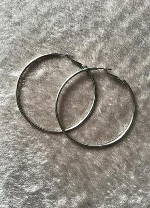Базовые серьги-кольца под серебро