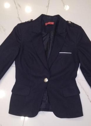 Пиджак на подкладке с пагончиками  размер s