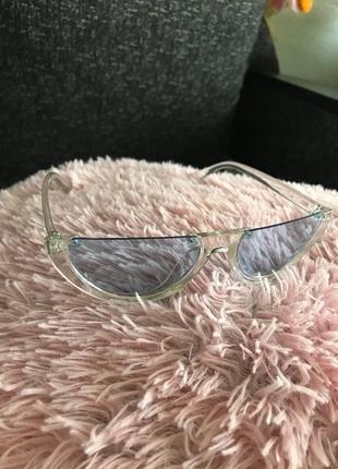 Модные голубые очки с прозрачной оправой