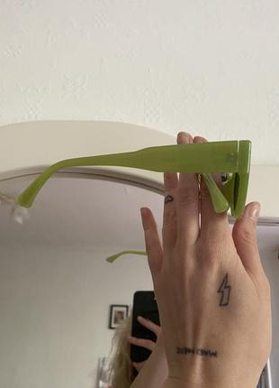 Зелёные очки3 фото