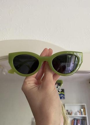 Зелёные очки2 фото