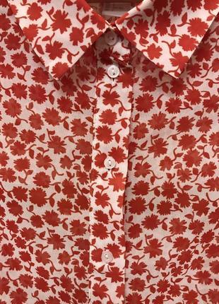 Очень красивая и стильная брендовая блузка в цветочках 20.