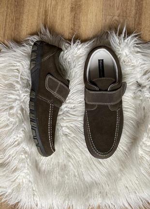 Новые натур. замшевые туфли на липучках мокасины цвета хаки 44-45
