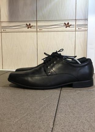 Чорні шкіряні туфлі claudio conti