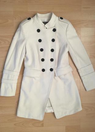 Классическое шерстяное пальто на пуговицах zara