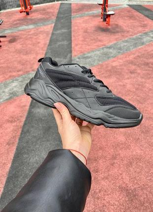 Мужские кроссовки со склада черного цвета подошва пена