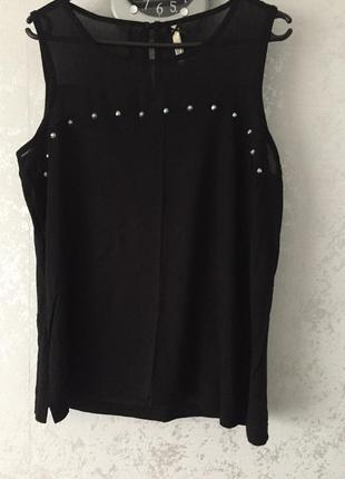 Блузка чёрная с клепками