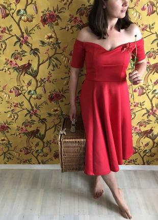 Платье для пикника со спущенными плечами в винтажном ретро стиле