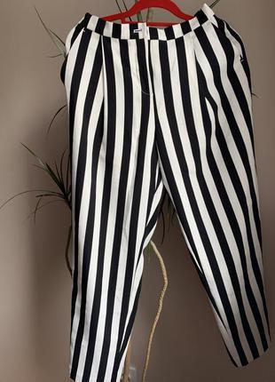 Літні брюки в полоску