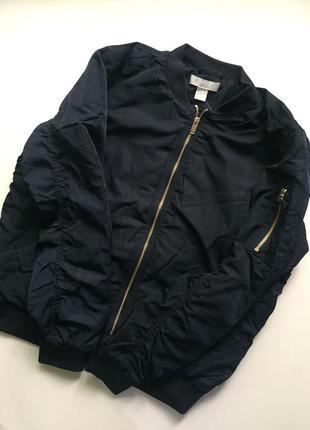 Женская куртка-бомпер. бренд h&m