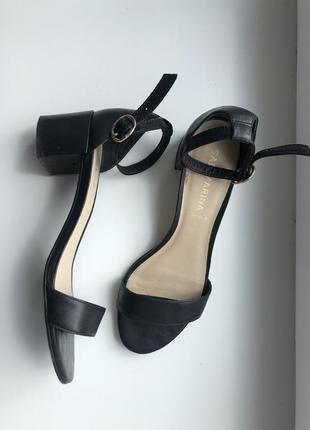 Vera pele кожаные босоножки, туфли