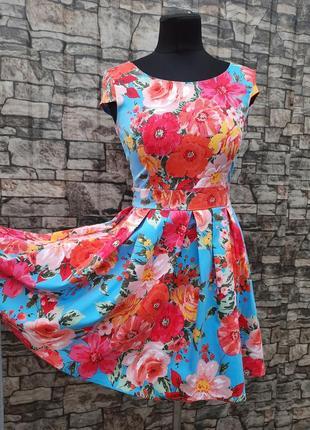 Яркое цветочное платье!
