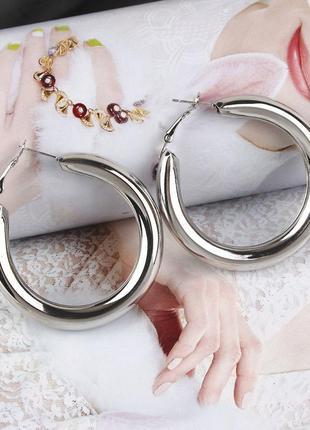 Модные круглые сережки трендовые серьги 3065