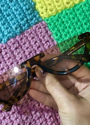 Леопардовые солнцезащитные очки