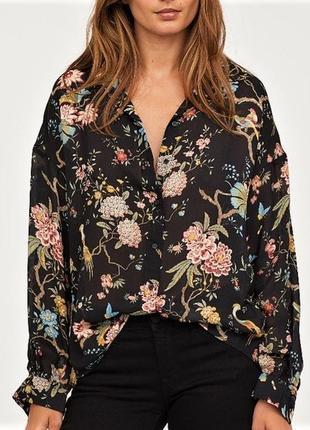 Блуза в стиле оверсайз  цветочный принт black floral h&m x gp & j baker /5474/