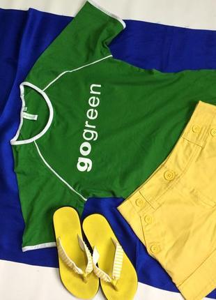 Футболка зелёная с белым принтом