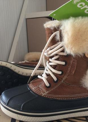 Женские теплые зимние ботинки crocs натуральный мех