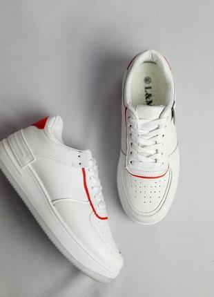Кроссовки белые распродажа
