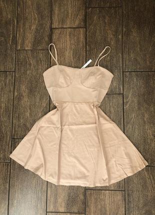 Новое летнее платье с бирками брендовое новое беж