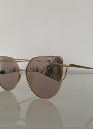 Розовые винтажные солнцезащитные очки зеркальные