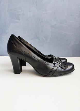 Женские кожаные туфли tamaris уценка