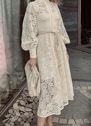 Цвет айвори кружевное платье