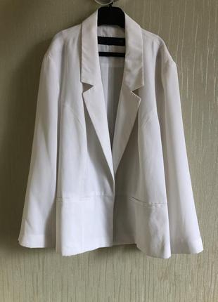 Легкий укороченый белый пиджак  next