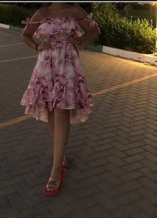Гарна літня сукня