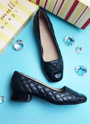 Bettye muller оригинал черные стеганые туфли