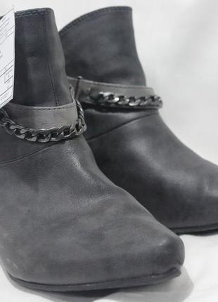 Осенние ботинки mustang