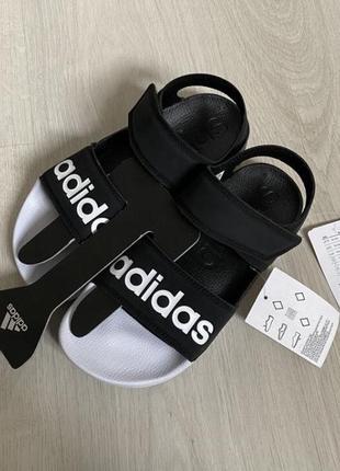 Сандали adidas новые
