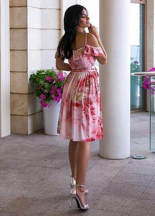 Лёгкое летнее шёлковое платье с открытом плечиком