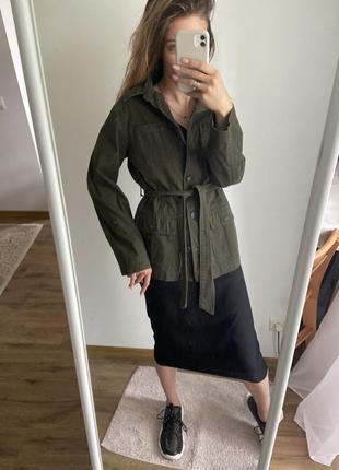 Куртка рубашка с накладными карманами джинсовый жакет на поясе
