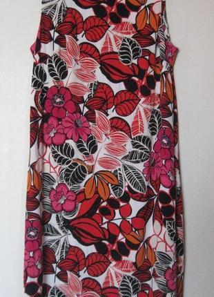 Яркое летнее платье в цветах вискоза