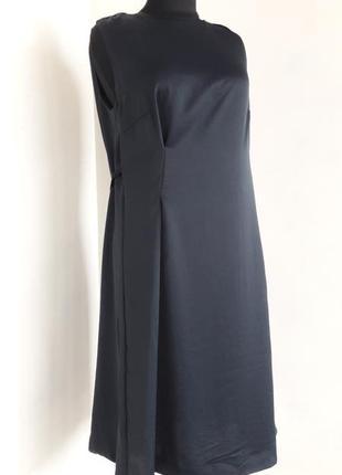 Очень стильное платье от malloni,38(ит.44)