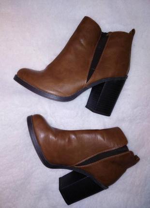 Сапоги ботинки на толстом каблуке